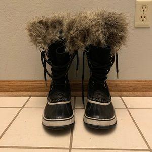 Joan of Arctic Women's SOREL boots